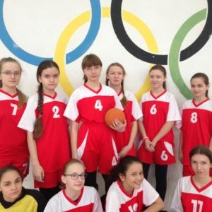 Ćwierćfinał młodszych dziewcząt – piłka ręczna.