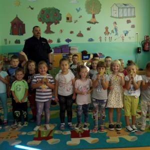 Bezpieczny przedszkolak- spotkanie z policjantem w  przedszkolu